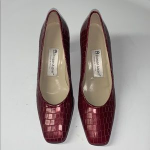 Etienne Aigner Gorgeous Leather Shoes